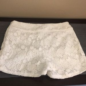 Pants - White Lace detailed shorts